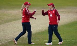 L'Angleterre a battu les Antilles au troisième T20i féminin pour sceller la série - comme c'est arrivé | sport