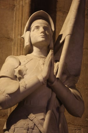 A statue of Joan of Arc