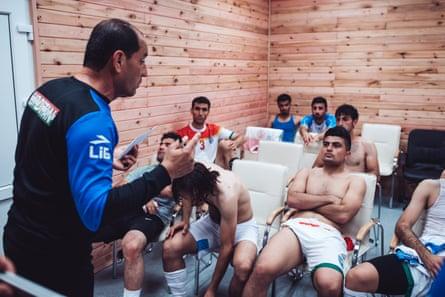 The Kurdistan football team with coach Khasraw Gurun