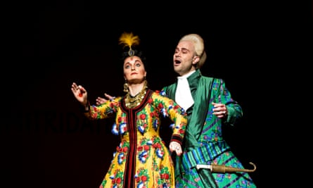 Lucy Crowe as Ismene with Bejun Mehta as Farnace.