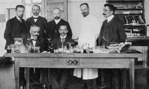 German psychiatrist Alois Alzheimer with fellow researchers