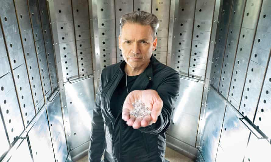 Dale Vince holding a handful of 'sky diamonds'