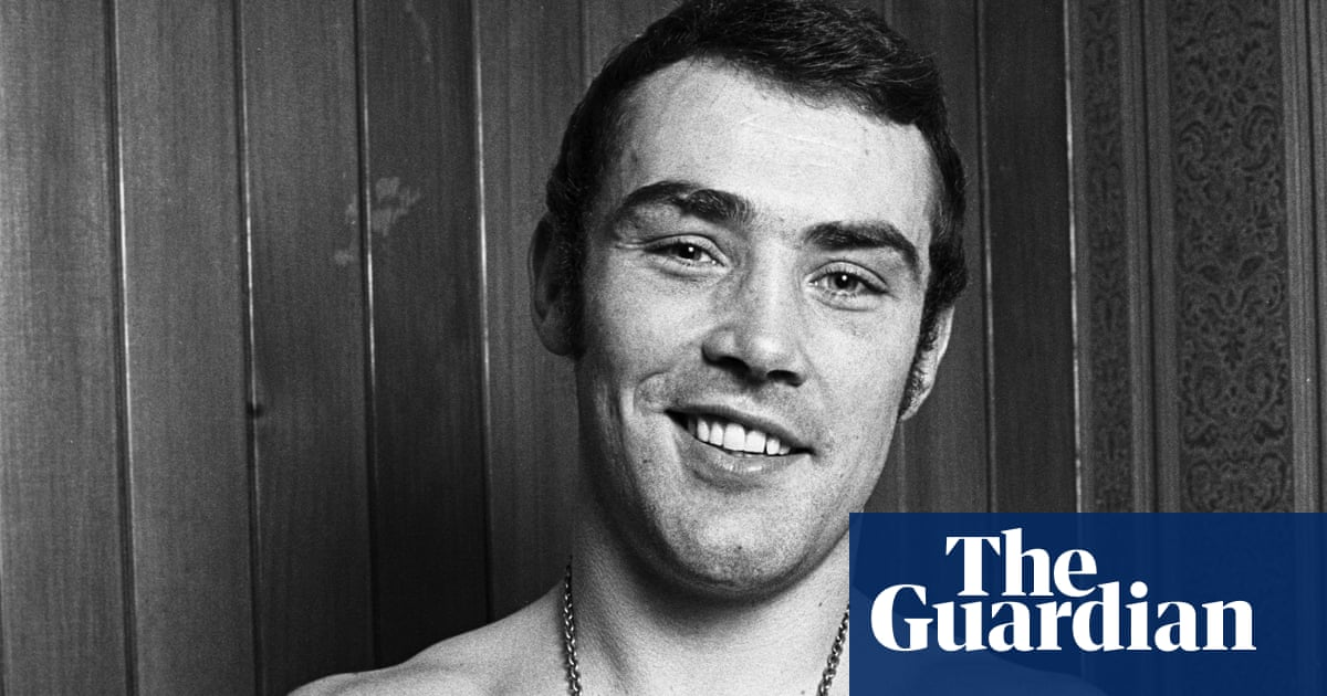 Alan Minter, British boxing great who became world champion, dies aged 69