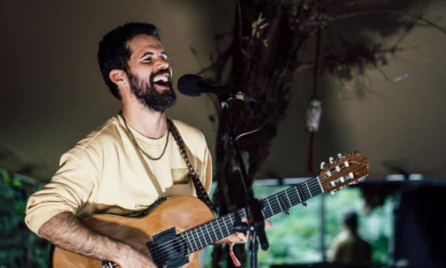 Singer-songwriter Nick Mulvey.