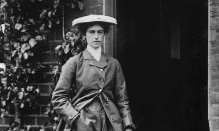 Lilian Bland in 1911.