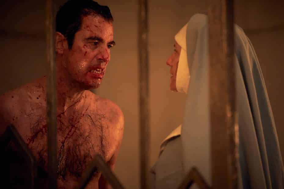 Claes Bang and Dolly Wells in Dracula.