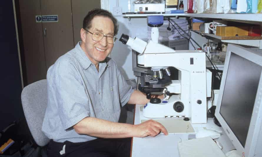 In 2005 Geoffrey Raisman and his team joined the Department of Brain Repair and Rehabilitation at the UCL Institute of Neurology in order to translate his research work into a clinical application