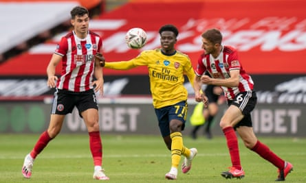 Bukayo Saka Signs New Arsenal Contract To End Doubts Over Future Arsenal The Guardian