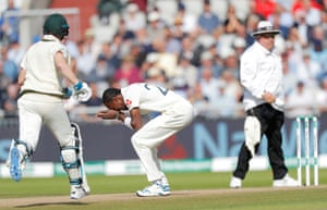 Jofra Archer reacts after missing a chance to catch Steve Smith.