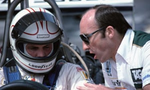 Frank Williams offers some instructions to driver Alan Jones at the US Grand Prix at Long Beach in 1979