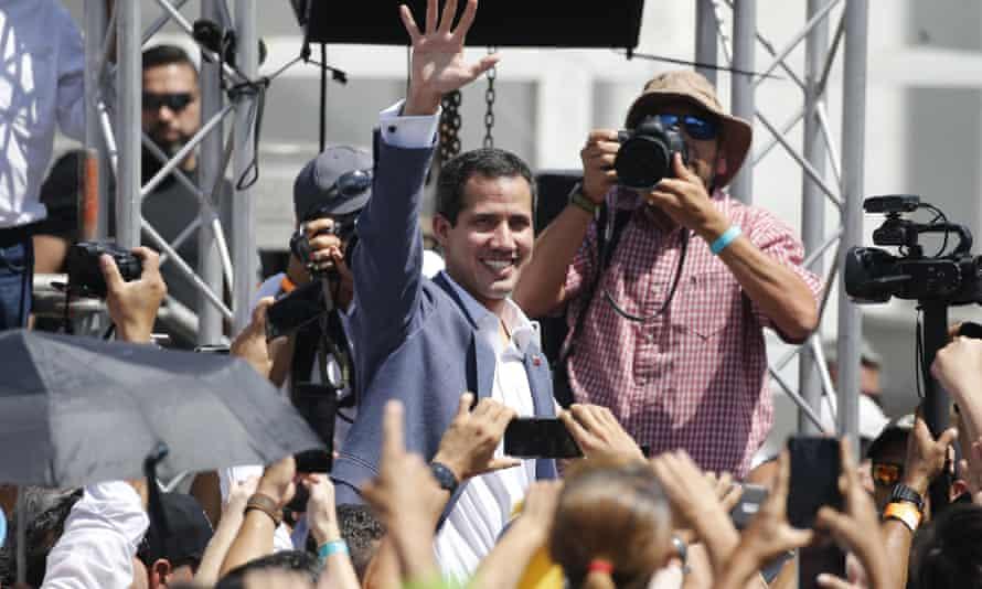 Venezuela's self-proclaimed interim president Juan Guaidó has offered amnesty to Venezuelan soldiers who defect.