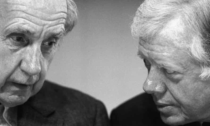 Sir Brian Urquhart, pictured with the former US president Jimmy Carter.