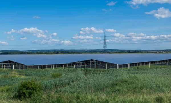 Britain's largest solar farm poised to begin development in Kent | Solar power | The Guardian