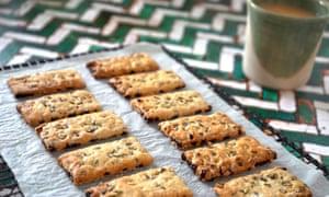 Barberry, fennel and hazelnut garibaldi biscuits.