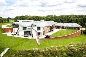 Fantasy house hunt - Harford Manor