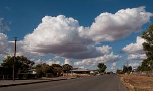 Murnane observes life in small-town Australia.