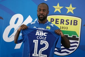 Carlton Cole failed to score a single goal for Persib Bandung, whose manager said playing with the No9 was akin to playing with 10 men.