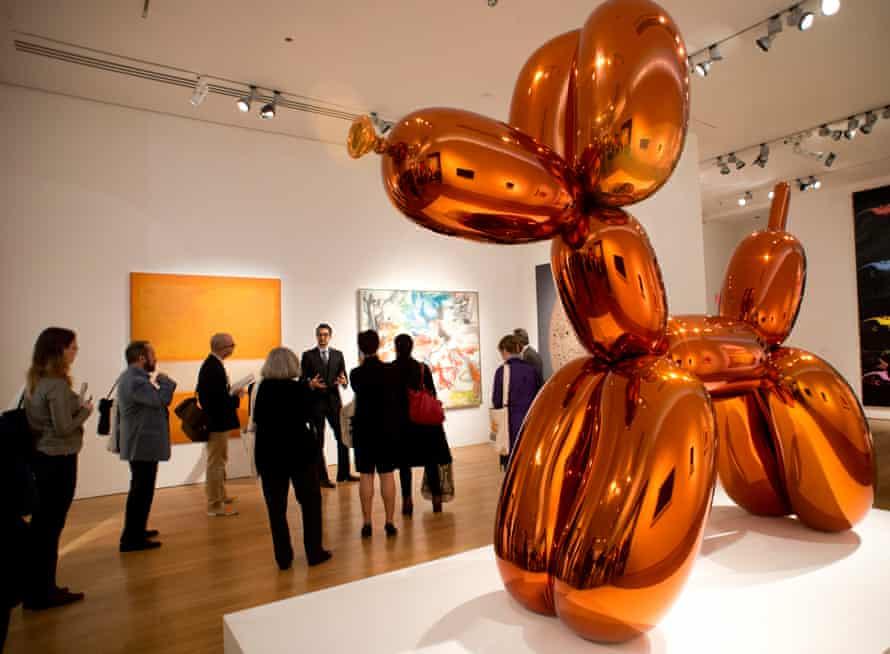 Balloon Dog (Orange) at Christie's in New York, 2013.