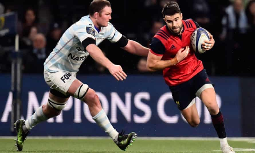 Munster's scrum-half Conor Murray looks to avoid Donnacha Ryan during the teams' group-stage meeting in Colombes