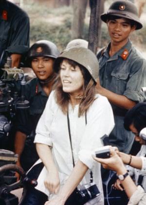Fonda behind a North Vietnamese anti-aircraft gun 1972 – the image that gave rise to the nickname Hanoi Jane