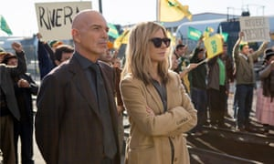 Billy Bob Thornton and Sandra Bullock in Our Brand Is Crisis.