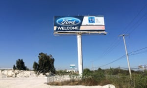 Billboard welcoming Ford at the San Luis Potosi industrial park.