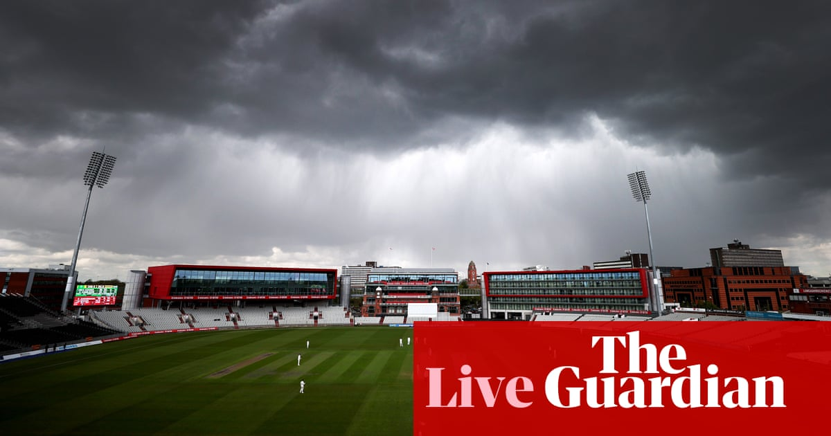 Middlesex v Gloucs, Lancs v Glamorgan and more: county cricket day two – live!
