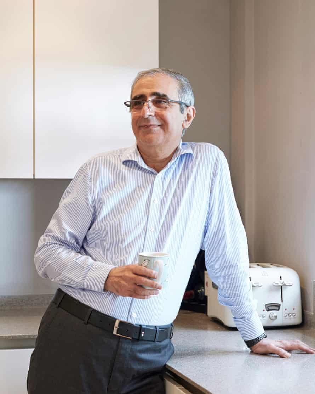 Profesor Muhammad Purkashanian di rumah