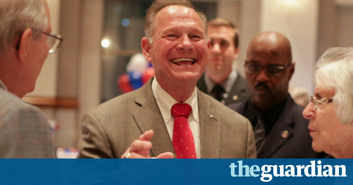 Alabama Republican Senate primary: Roy Moore defeats Trump-backed Luther Strange
