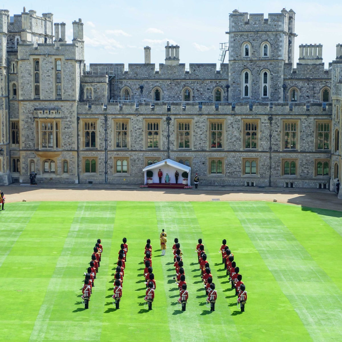 Queen S Birthday Marked With Physically Distanced Event At Windsor