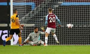 Jarrod Bowen scores his and West Ham's second goal against Wolves.