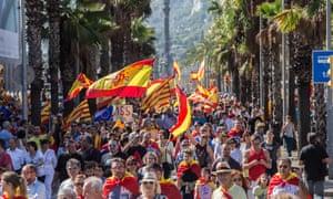 Um protesto anti-independência em Barcelona no domingo.