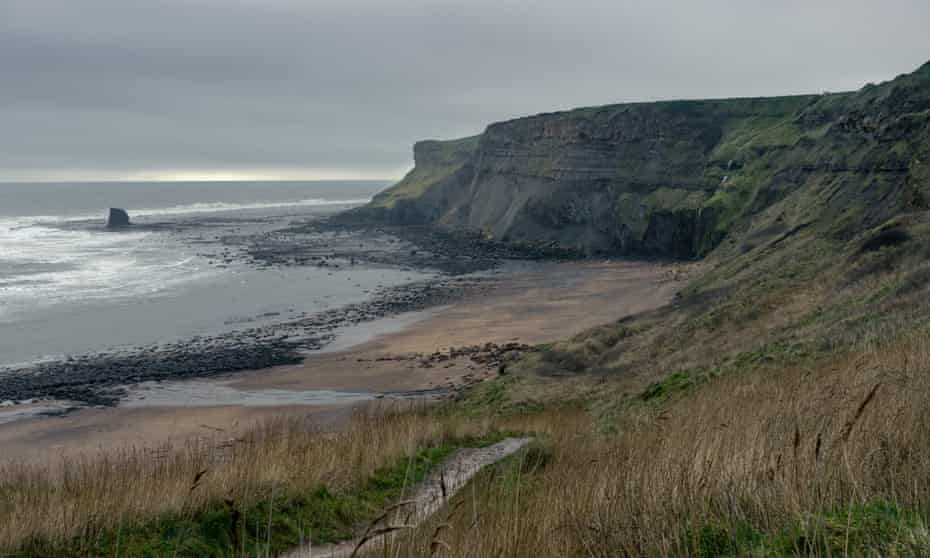 Saltwick bay, from the cliffs on a cloudy day