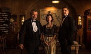 Sam Neill (Lord Carnarvon), Catherine Steadman (Maggie Lewis) and Max Irons (Howard Carter) in Tutankhamun.