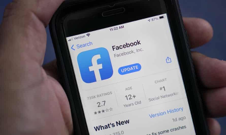 Facebook update details on a smartphone