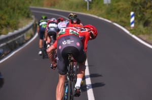 Red jersey-holder Chris Froome checks out his rivals on the 204.4km journey from Vila-real to Sagunt on Stage 6