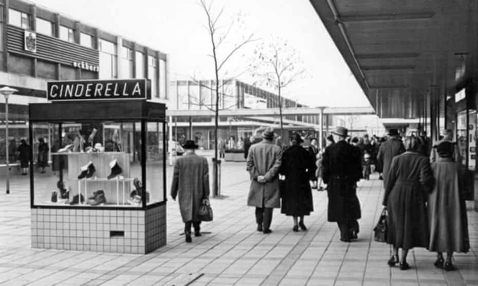 The Lijnbaan shortly after it opened in 1953.