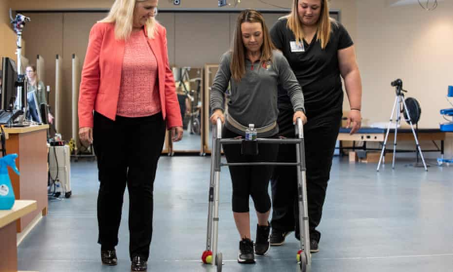 It took Kelly Thomas 15 weeks, and 81 sessions of electrical stimulation, to learn to walk again.