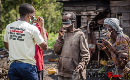 Masks being distributed in Goma.