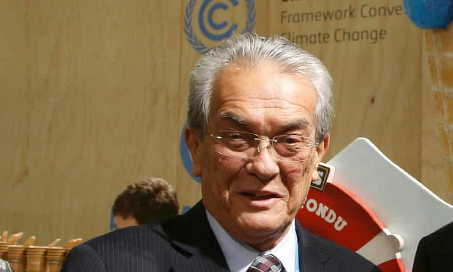 Marshall Islands' foreign minister, Tony de Brum, at the Paris climate talks