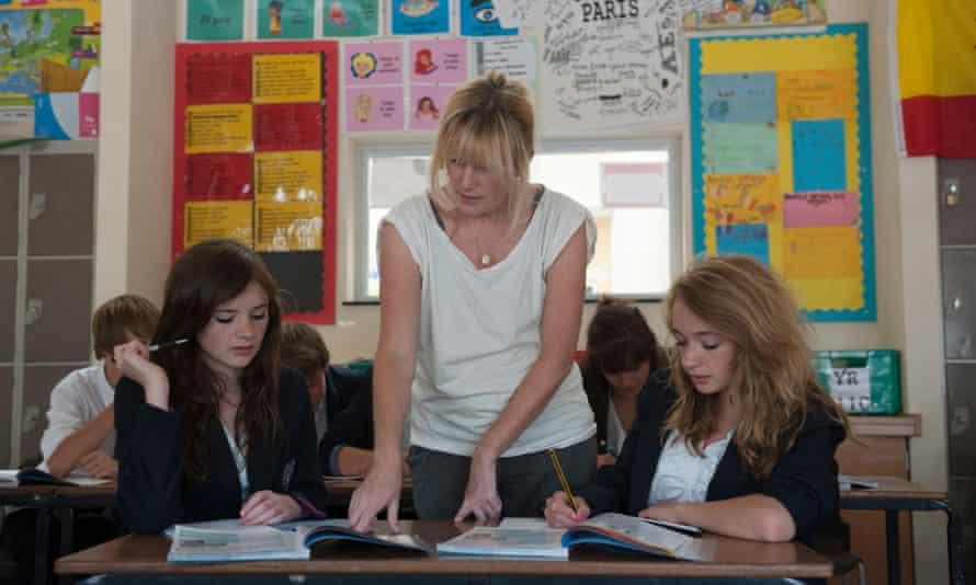 teacher girls classroom