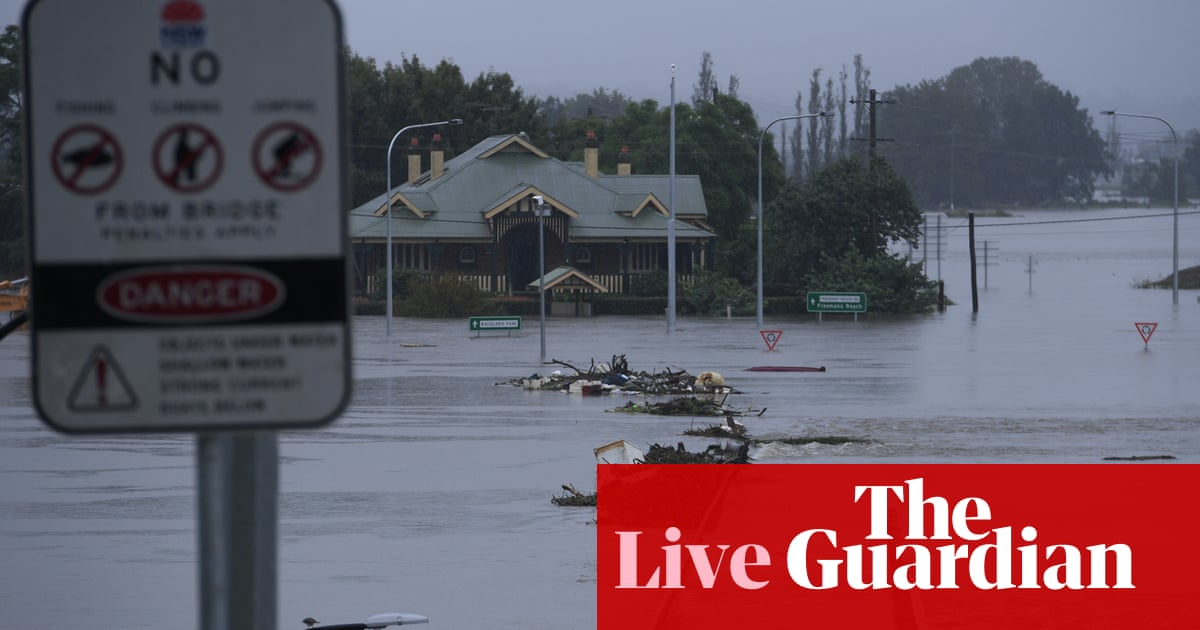 NSW weather live: Berejiklian says fires and floods may push people to 'breaking point' as disaster relief payment expanded