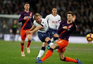 Tottenham Hotspur's Harry Kane shoots at goal.