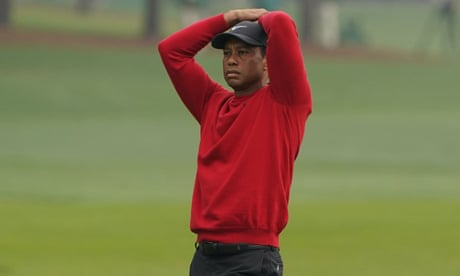 Defending Masters champion Tiger Woods scores 10 at Augusta's 12th hole