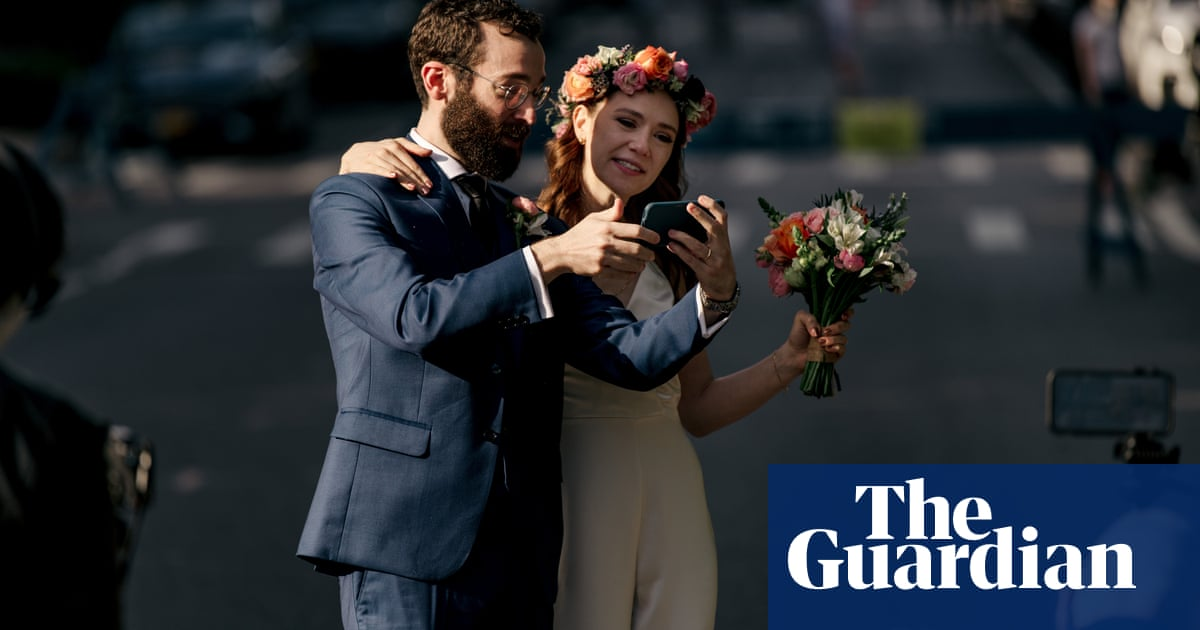 New York to allow weddings for up to 150 – but no dancing outside your zone