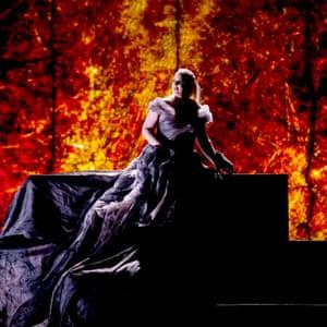 Iréne Theorin as Brunnhilde in Gotterdammerung