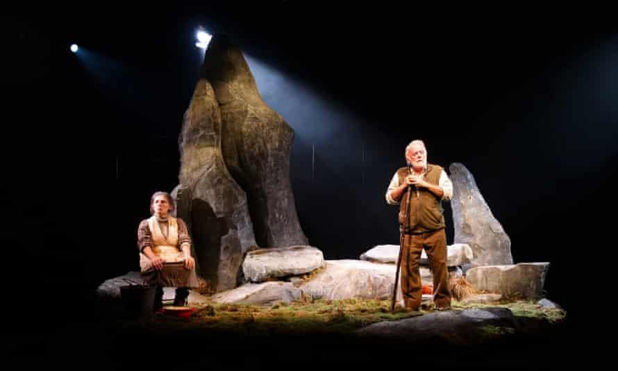 Morfudd Hughes and Wyn Bowen Harries in Fel Anifail