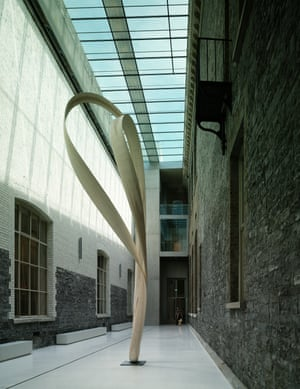 Magnus Modus by Joseph Walsh in the new gallery courtyard.