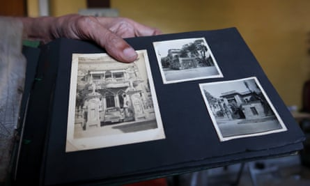 Anjun Kumar Das shows photos of Laxmi Villa to the left and the Hussein house in Kolkata to the right.