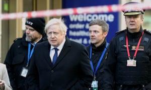 Boris Johnson and Commissioner of the City of London Police Ian Dyson, right, at the scene of the London Bridge terror attack.